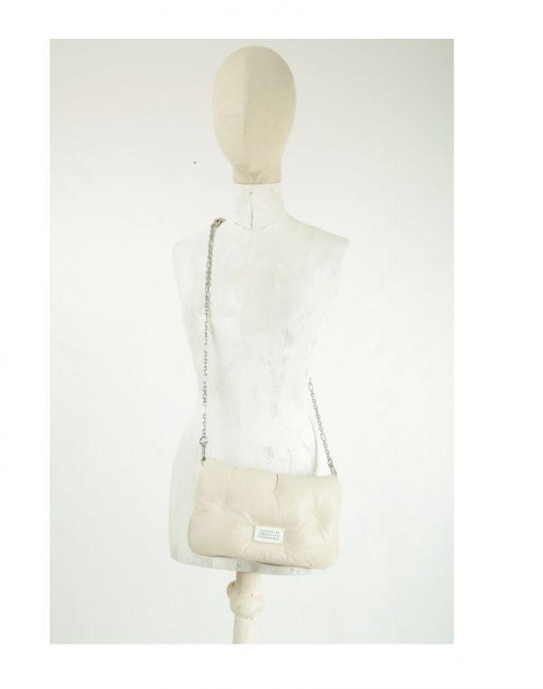 Maison Margiela 羊皮 Glam Slam 雲朵兩折信封手拿鍊帶包 象牙白色 Bottega Veneta