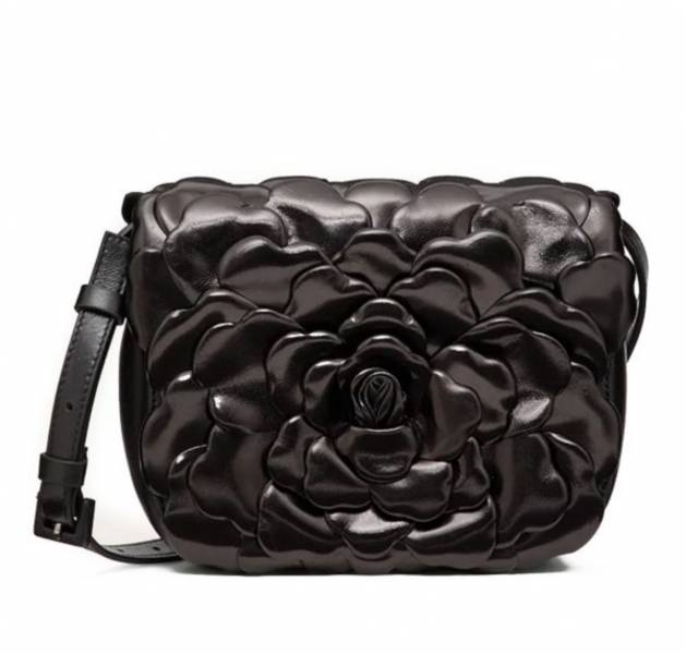 Valentino Atelier 03 Rose Edition 玫瑰花瓣小款馬鞍包  黑色