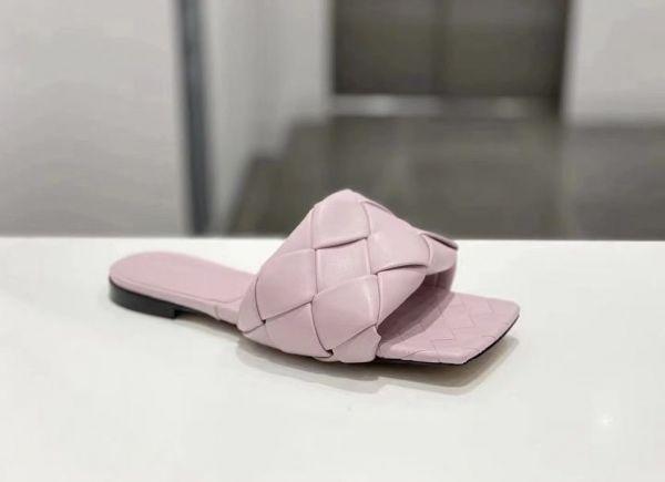 Bottega Veneta 女款 The Lido方頭平底涼鞋  玉蘭粉    IT35/36/36.5/37/37.5/38/39