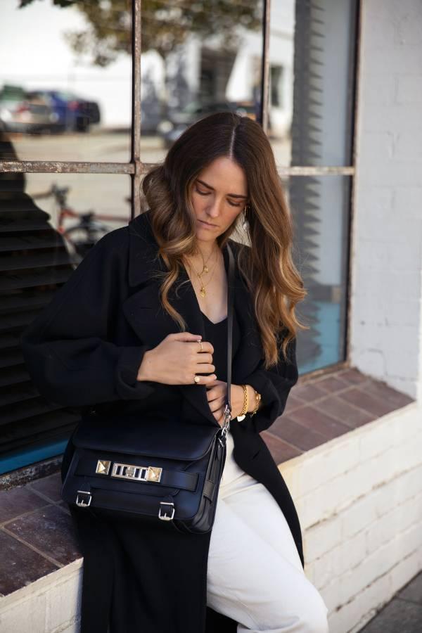Proenza Schouler 釦鎖裝飾 PS11 小牛皮斜背包 黑色