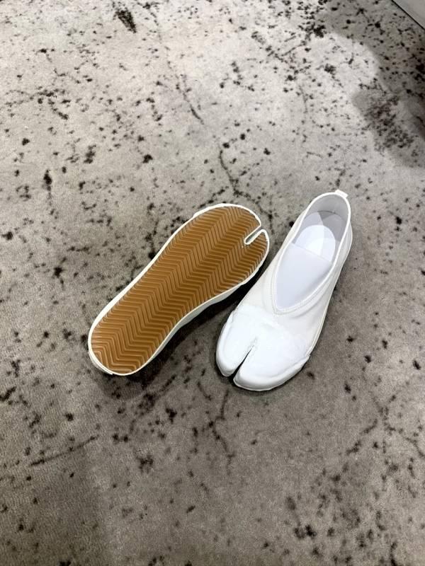 Maison Margiela 女款羊趾帆布休閒平底鞋  白色    IT 37/38/39/40 Bottega Veneta