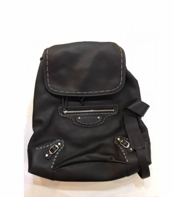 Balenciaga 387285 小款 Traveller S 外縫線細滑小牛皮 機車後背包  黑色