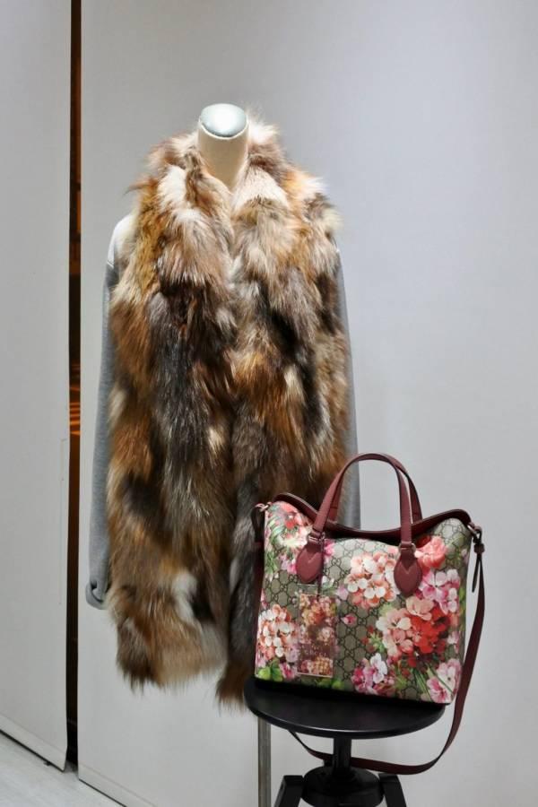 義大利 SWORD 6.6.44  美麗諾針織前飾狐狸毛背心上衣  紅狐色調  ONE SIZE