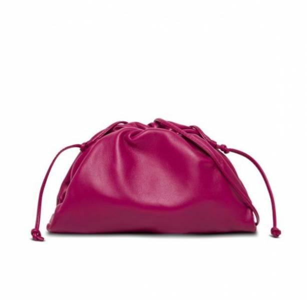 Bottega Veneta 585852 小款奶油小牛皮雲朵包   赤丹紅