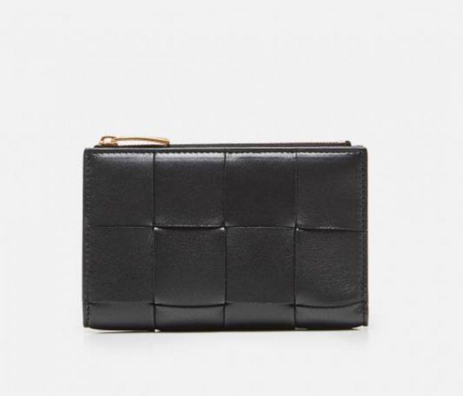 Bottega Veneta 667130 寬編織皮革拉鍊雙折中短夾錢包    黑色