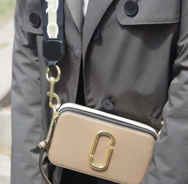 Marc Jacobs Snapshot 多色相機包  奶茶色主色
