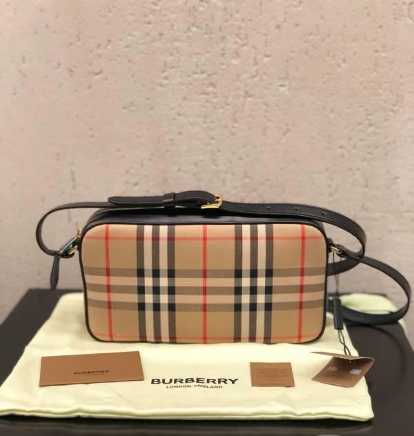 Burberry 小型 Vintage 格紋及皮革相機包