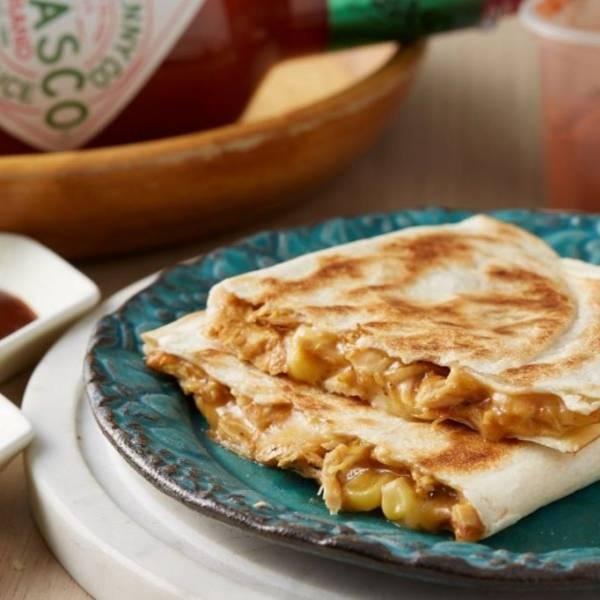 墨美味|BBQ玉米燻雞起司餡餅 [1入] [130g] [20cm半圓] 安心雞胸,自製BBQ醬,起司餡餅,墨西哥餡餅,玉米燻雞,墨西哥餅,墨美味