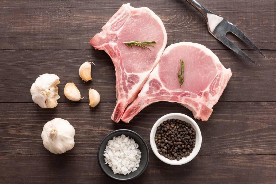 帶骨豬排250gx4入(1組)+黑胡椒醬150gx1包 優惠帶骨豬排,冷凍配送到你家