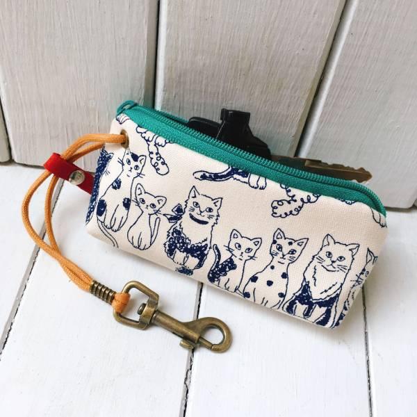 拉鍊鑰匙包 (排排貓) 日本布 接單生產* 鑰匙包,keyholder,鑰匙收納,キーケース,kyecase,隨身小包,客製化