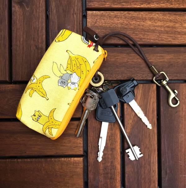 拉鍊鑰匙包 (蕉蕉貓 - 水果牛奶) 日本布 接單生產* 鑰匙包,keyholder,鑰匙收納,キーケース,kyecase,隨身小包,客製化