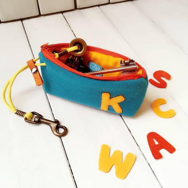 自選英文單一字母 絨布拉鍊鑰匙包 (土耳其藍) 接單生產* 鑰匙包,keyholder,鑰匙收納,キーケース,kyecase,隨身小包,客製化,KeyPouch,KeyPocket,キーホルダー,HandmadeKeyCase