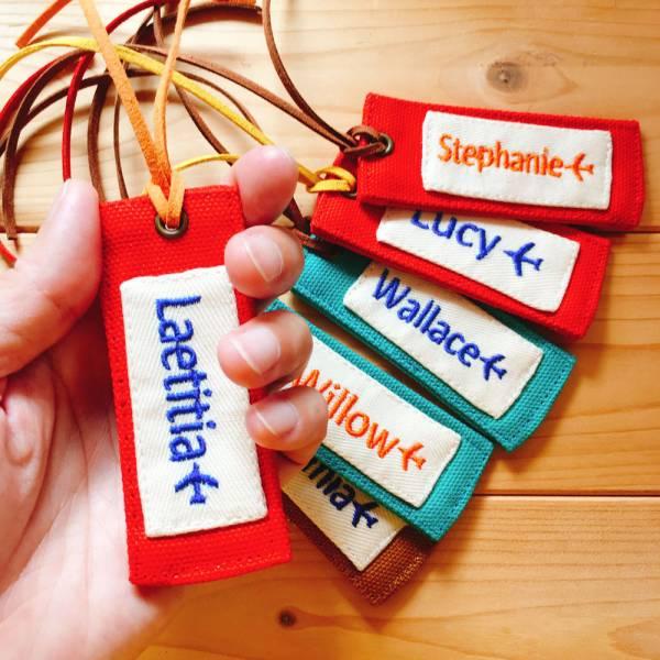 雙面*刺繡字行李吊牌 接單生產* 刺繡字,刺繡名字,客製化,行李吊牌,畢業禮,情人節,聖誕節,交換禮物,伴手禮,旅行識別,團體旅遊,同好社團,學號牌
