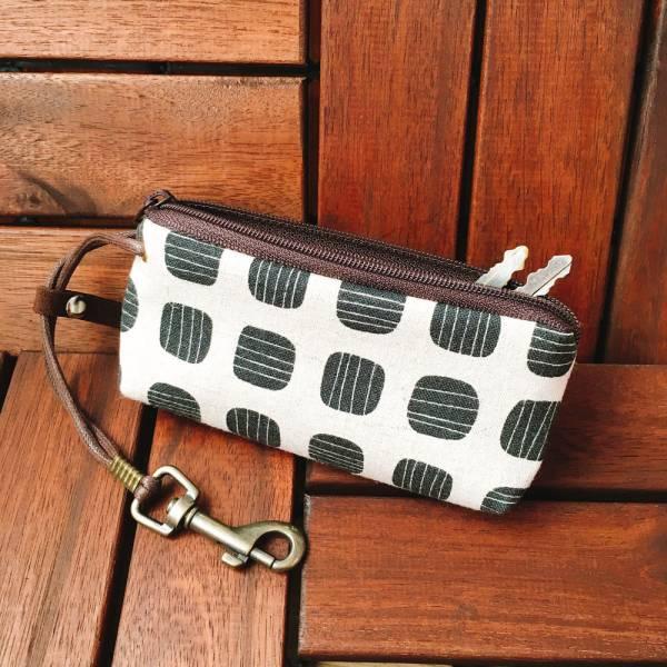 拉鍊鑰匙包 (黑豆) 日本布 接單生產* 鑰匙包,keyholder,鑰匙收納,キーケース,kyecase,隨身小包,客製化