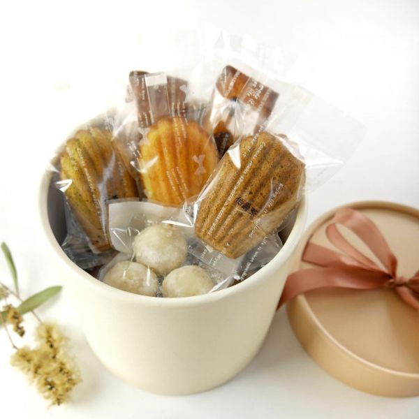 彌月禮盒 - 甜心抱抱桶禮盒 彌月禮盒,常溫禮盒,彌月,懷孕,小孩,新生,抱抱桶