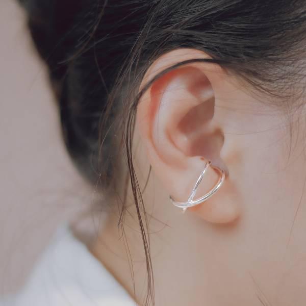 ONCE LITE | 空氣系 - 向光 X 純銀耳骨夾 幾何耳環 抗敏耳環 純銀 純銀耳骨夾 純銀飾品 耳環 耳骨夾 銀色耳環