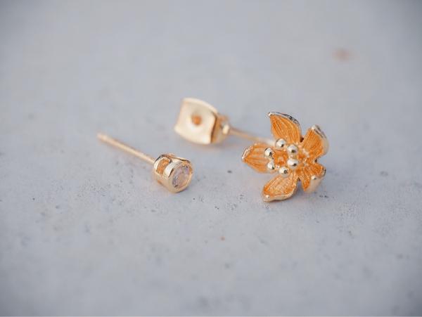 低語桔梗花 - 18K金色 * 耳環 耳環 桔梗花