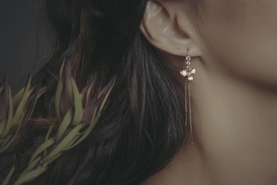 Herbology | 草藥學系列 - 延齡草花瓣耳環 * 三色 耳鍊 長耳環  黃銅耳環 植物耳環 花耳環 延齡草