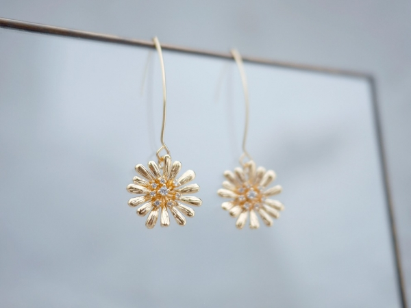 innocence series earrings- dandelion (three colours to choose from) dandelion