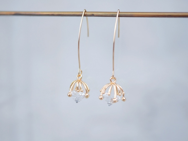innocence series earrings- dandelion seeds (three colours to choose from) dandelion seeds