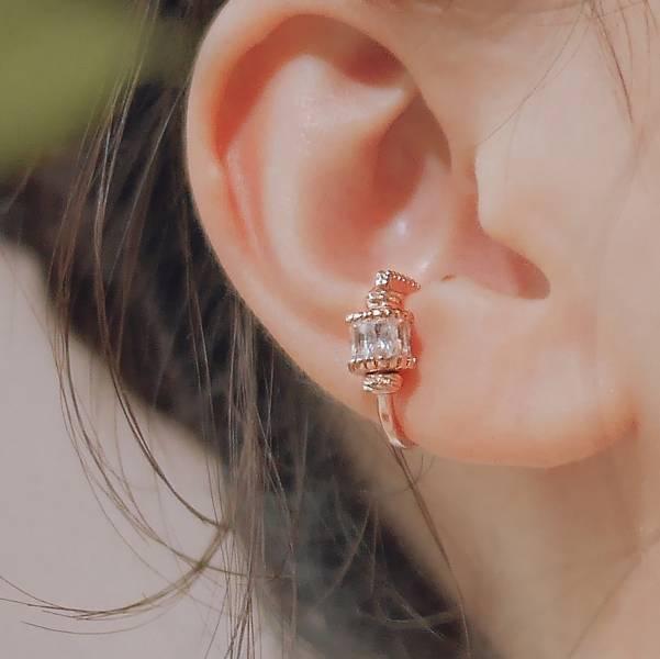ONCE LITE | 空氣系 - 光年耳骨夾 * 三色 鋯石 鋯石飾品 個性耳骨夾 耳骨夾 耳夾 耳環 鋯石耳環  鋯石耳夾