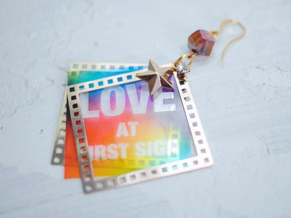 Love at first sign 耳環 婚姻平權 彩虹 底片耳環