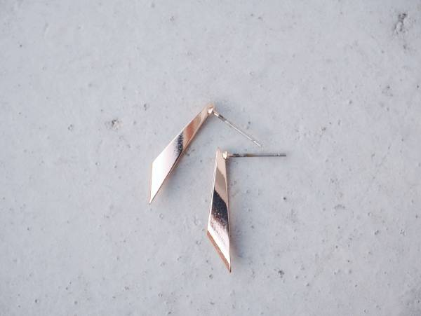 symmetrical-a pair of slab-sided form earrings < once upon a time*earrings > symmetrical earrings