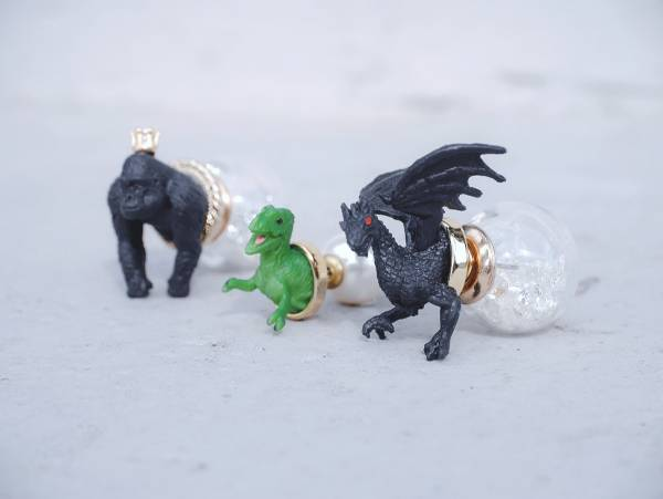 Mini Zoo- A series of ferocious animals<once upon a time*earring> chimpanzee & green dinosaur & black flying dragon