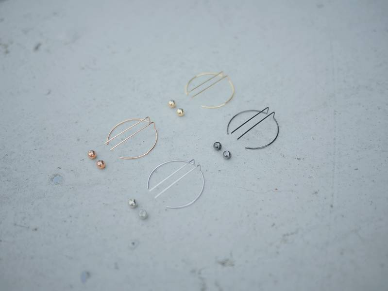 Alchemy | Alchemy Series Gnomon * earrings 4 colours to choose from 中性 幾何 耳環