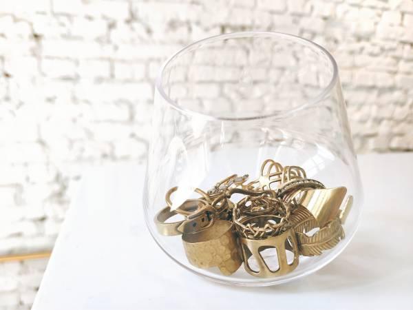 湖中女神:請問妳掉的是亮黃銅還是暗黃銅?