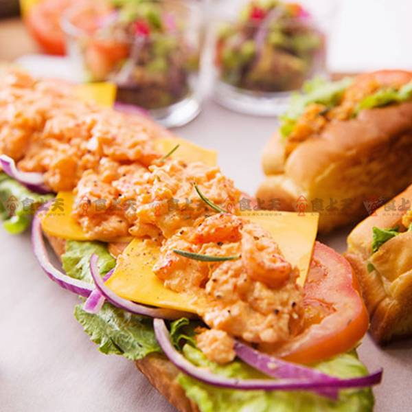 龍蝦沙拉 螯蝦,魚卵,魷魚,沙拉,清爽