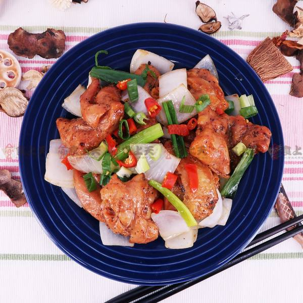 椒麻雞腿塊 椒麻,辣味,酥脆,雞,泰式