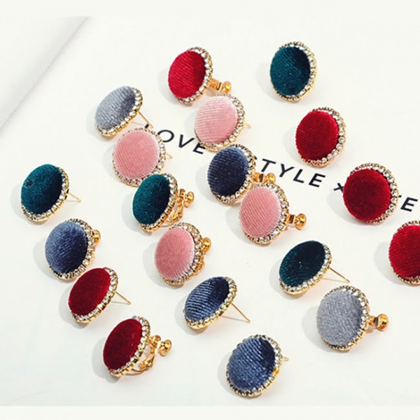 [韓國] 奧黛麗赫本的珠寶盒 LadyA,飾品,耳環,合金耳針,個性,優雅,耳環,時髦,休閒,韓風,韓風,低敏,日常必備,日常,鑽石宮廷貼耳耳針,
