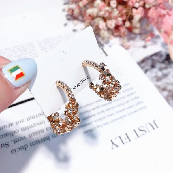 [韓國] (小圈) 時尚尖端女王霸氣耳環