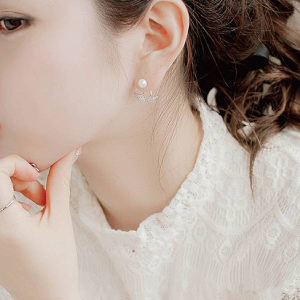 [韓國] 925銀針-艾格絲輕奢春款鋯石耳環 LadyA,飾品,耳環,925銀針耳環,可愛,優雅,時髦,休閒,韓風,韓國,鋯石,鑽石,水晶,抗敏耳針,宮廷,韓國淡水珍珠,珍珠,珍珠耳環.珠寶