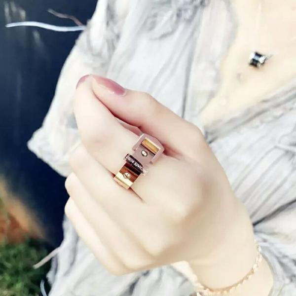 鈦鋼玫瑰金18K - 瑪格莉特皮扣質感金屬戒 LadyA,戒指,飾品,可愛,優雅,時髦,休閒,韓風,簡約,鈦鋼戒指,日常飾品, 玫瑰金18K, 玫瑰金戒指,玫瑰金,個性戒指,環扣戒指,皮扣戒指