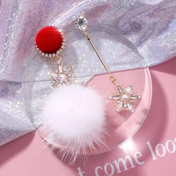 [韓國] 925銀針歐美鑲鑽耳釘聖誕閃鑽雪花不對稱長耳墜甜美扣子毛球耳環
