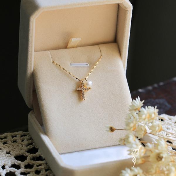 鋯石十字架珍珠項鍊 (缺貨)