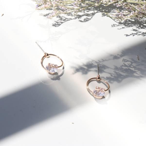 [韓國] 925銀針 - 迷人鋯鑽小吊石耳環