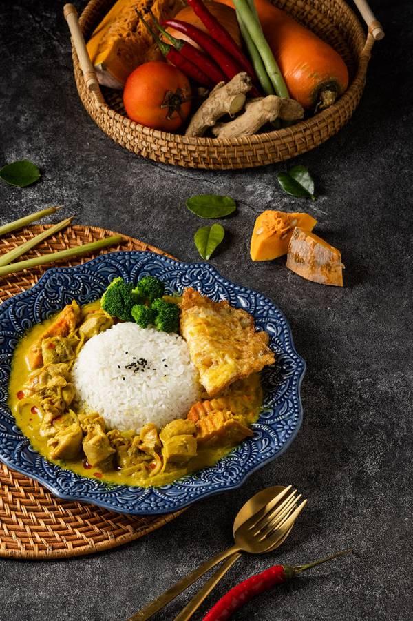 黃咖哩椰汁雞 泰式料理,胡同燒肉,汰汰,黃咖哩