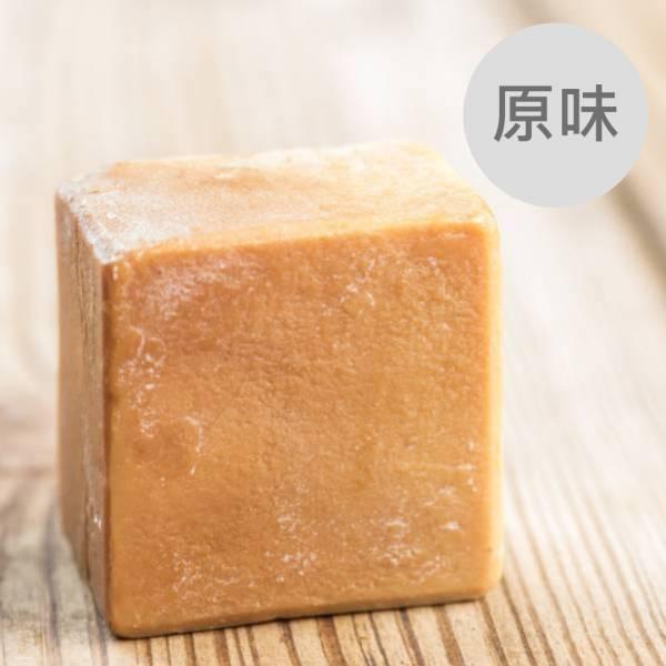 原味馬油蠶絲熟成新皂(一公斤/8顆) 原味馬油蠶絲熟成新皂(一公斤),馬油,馬油皂,馬油蠶絲熟成皂,蠶絲皂,熟成皂,UNIJUN,UNIJUN俊,UNIJUN手工皂坊,俊皂,JUN