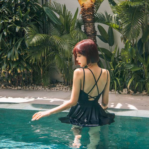 黑色抓皺顯瘦連身裙泳衣 連身遮肚泳衣