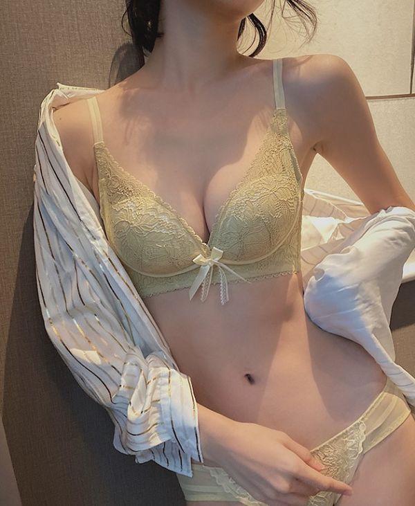 緞帶蝴蝶結深V包副乳無鋼圈聚攏內衣(奶油黃) 內衣,美胸內衣,集中內衣,性感內衣