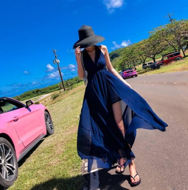 簡約純色V領渡假長洋 渡假洋裝,長裙