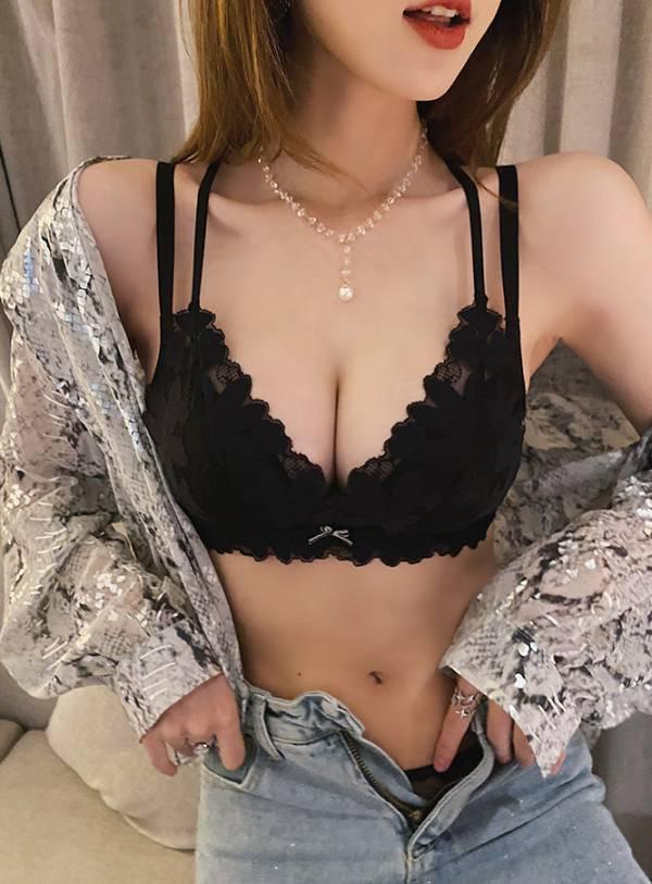 花瓣杯雙肩收副乳集中美胸內衣(黑) 內衣,美胸內衣,集中內衣,性感內衣