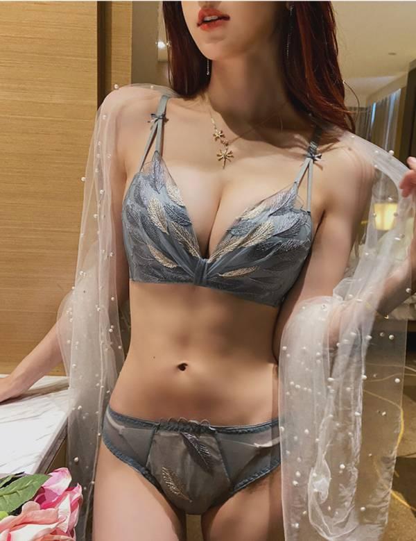 無鋼圈集中款羽毛葉印花美胸內衣(灰藍) 內衣,美胸內衣,集中內衣,性感內衣
