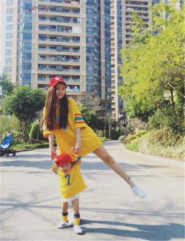 BV1050 春夏新款 全家出遊 韓系寬鬆7號棒球短袖T恤親子裝 春,夏,新款,全家,出遊,韓系,寬鬆,棒球,短袖,T恤,親子裝,親子,全家福,