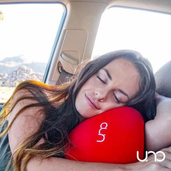【特價優惠中】UNO Premium 頸枕|旅行記憶U型枕|網友推薦零負評旅行型枕頭