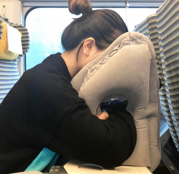Top7 旅行抱抱枕Travel Pillow