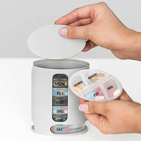 PillPro 藥罐收納盒 一週七格收納藥盒分裝 每格分早 中 晚 睡前四格 旅行收納,藥盒,PillPro